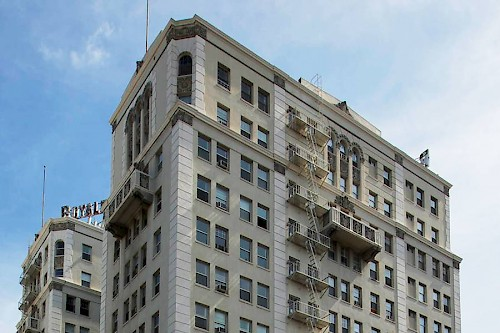 Historic Wilshire Royale apartments to be renovated by new owner