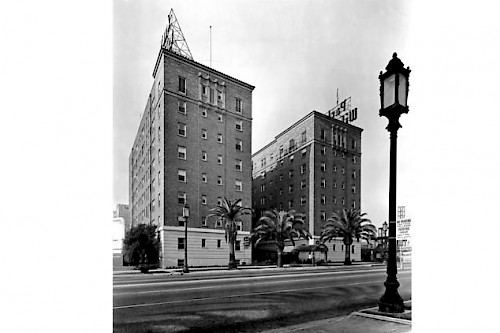 Westlake's Park Wilshire apartments to get a makeover